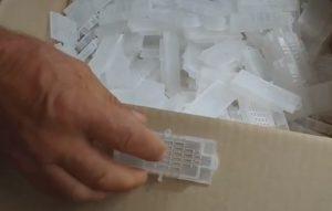 Пересылочные пластиковые клеточки для маток